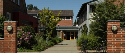 Slider_top_Haupteingang.jpg©Oberschule Steimbke